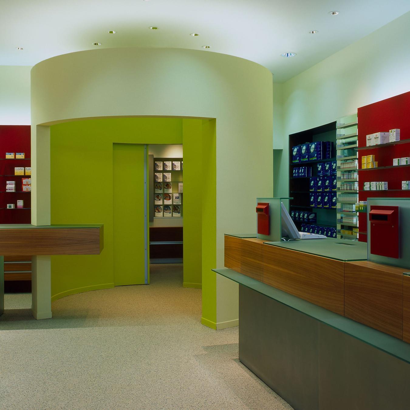 Komplementär nicht nur in den Formen: rot und grün als dominierende Farben der Offizin